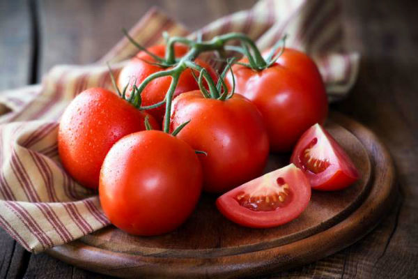 تعبیر خواب گوجه فرنگی سبز و شیرین - تعبیر خوردن گوجه فرنگی در خواب