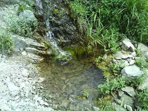 علامت و نشانه دفینه در چشمه ها - رمزگشایی محل گنج در چشمه