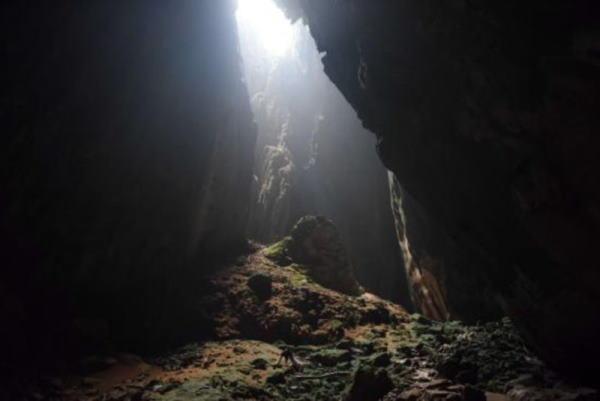 تعبیر خواب غار و گم شدن در غار - تعبیر دیدن غار تاریک در خواب